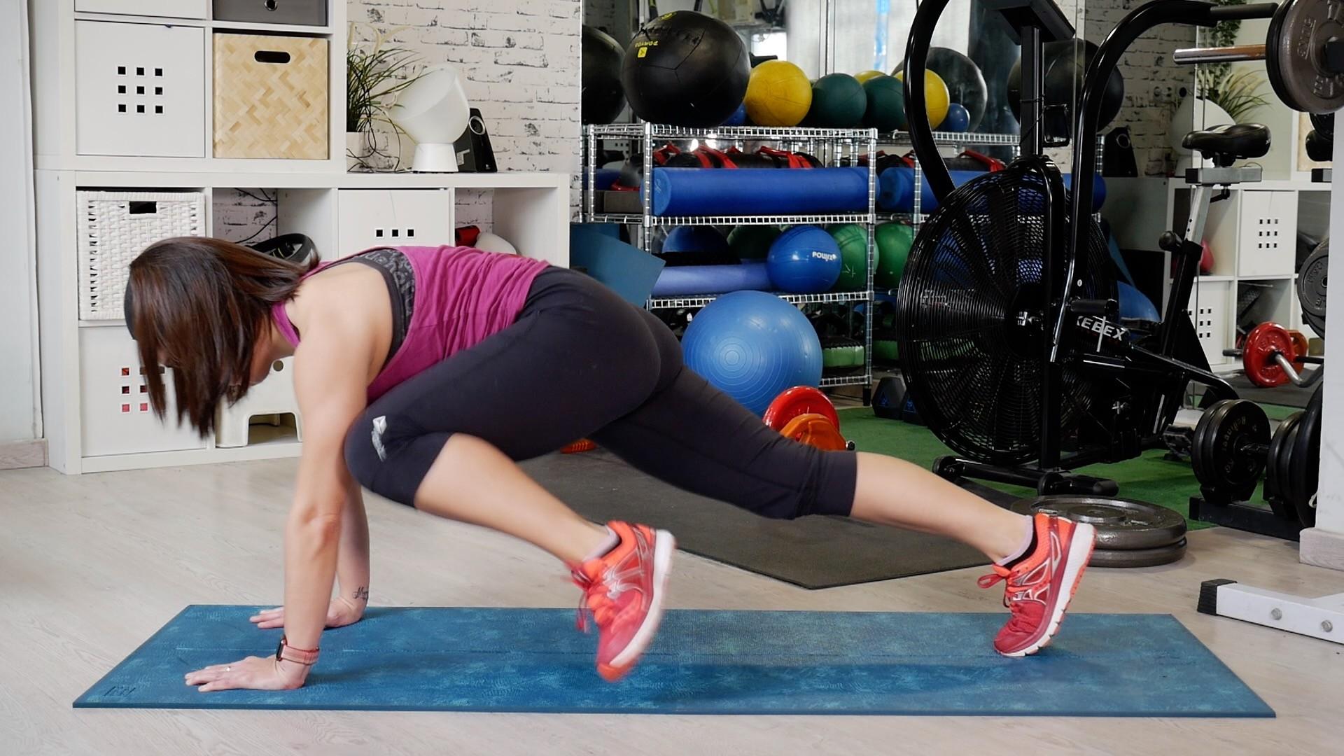 Variaciones del plank  un entrenamiento en vídeo para trabajar tus  abdominales 59ee6585e1a7