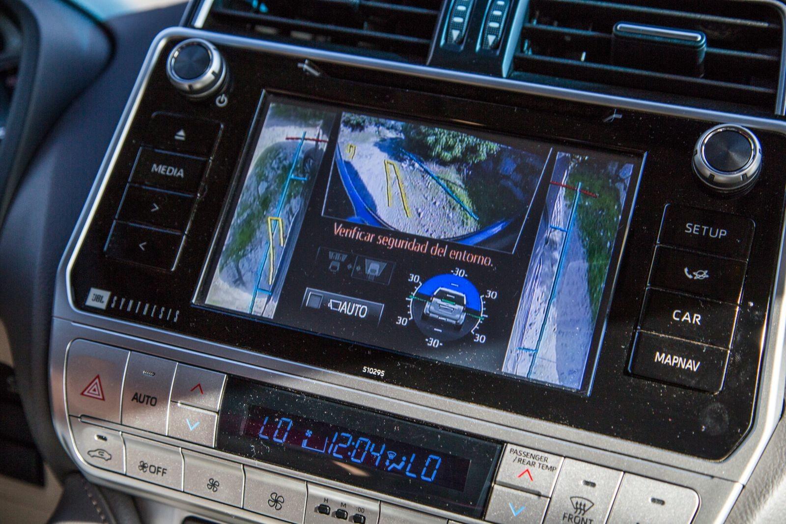 Foto de Toyota Land Cruiser Limited - Fotos interiores (10/25)