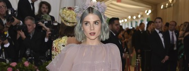 Gala MET 2019: Lucy Boynton se convierte en un hada de pelo azul