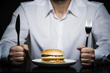 No dejes que las emociones lleven por mal camino tu dieta