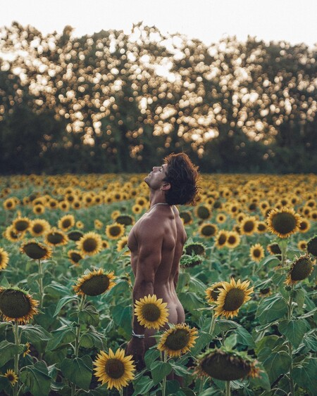 El modelo y ex superviviente Sergio Carvajal se suma a la moda guarrindonga de los famosos desnudos en OnlyFans por un salario mínimo 'interpornosional'