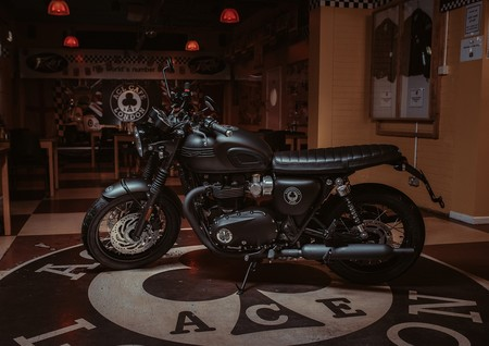 Triumph Bonneville T120 Ace Diamond 2019 016