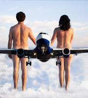 Los vuelos nudistas están de moda