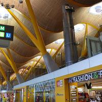 Todos los aeropuertos españoles tendrán botellas de agua a un euro