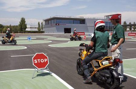 Diviértete aprendiendo a conducir: Cursos del Honda Instituto de Seguridad