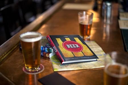 5 libros que todo amante de la cultura cervecera debe tener en su librero