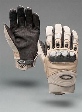 Oakley Factory Pilot, los guantes favoritos de los militares estadounidenses