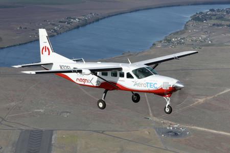 Ecaravan Chase Plane 2 768x512