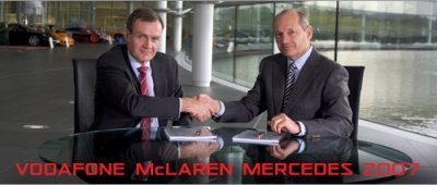 Vodafone McLaren 2007: Alonso reta a Raikkonen