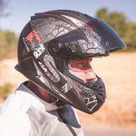 Europa tendrá cascos de moto más seguros en 2023 y los modulares tendrán que superar las dos homologaciones