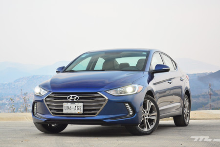 Hyundai Elantra 2017 3