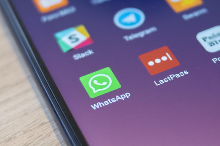WhatsApp temporarily blocks some GB WhatsApp users from