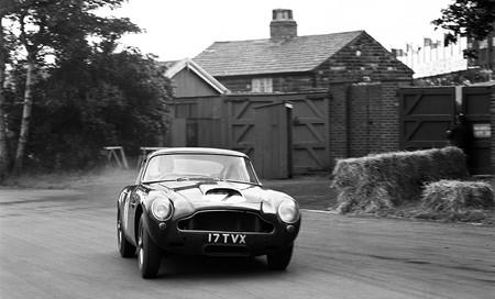 Aston Martin construirá 25 DB4 G.T Lightweight, pero no corras, ya están todos vendidos