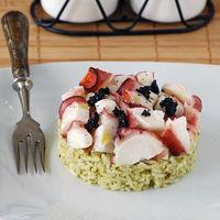 Ensalada de arroz y pulpo al pesto: receta fresca marinera
