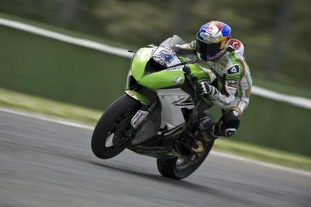 Superbikes Italia 2015: Kenan Sofuoglu demuestra quién es en Supersport