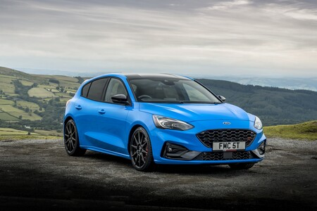 Ford Focus St Edition 2022 002