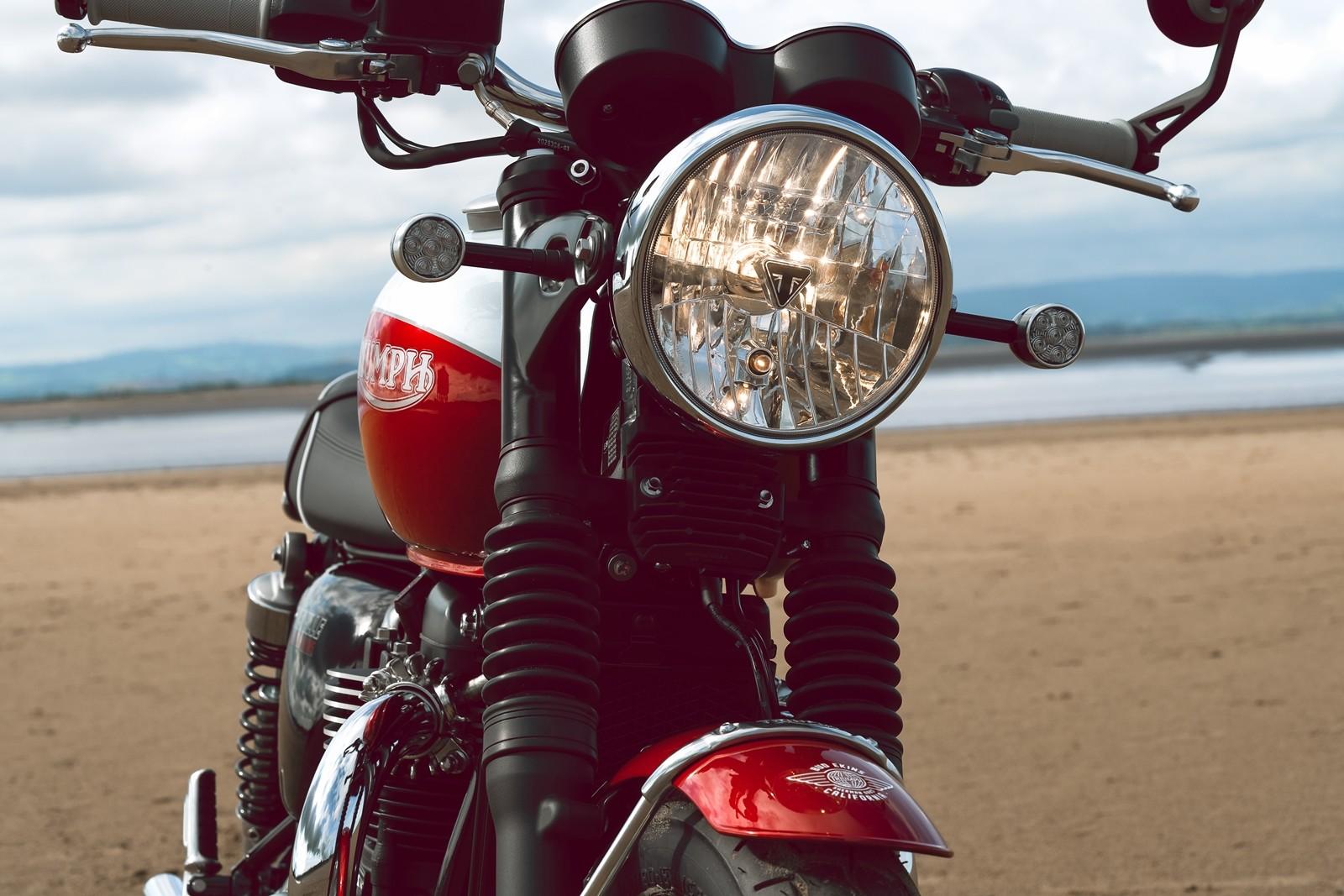 Foto de Triumph Bonneville T100 Bud Ekins 2020 (9/23)