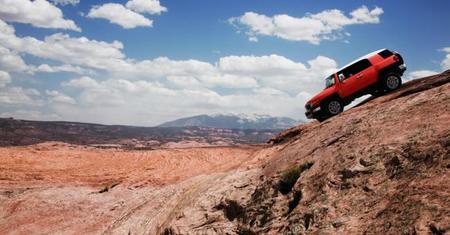 El Toyota FJ Cruiser que no sabe saltar las dunas