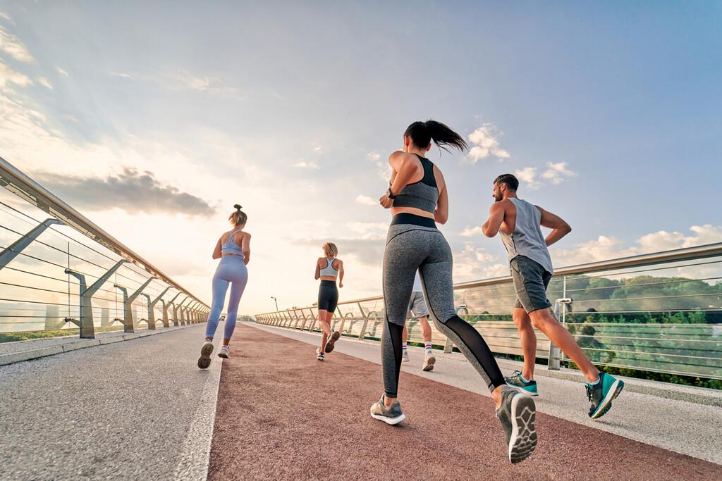 Si quieres empezar a correr, no te olvides de la fuerza: siete ejercicios para fortalecerte