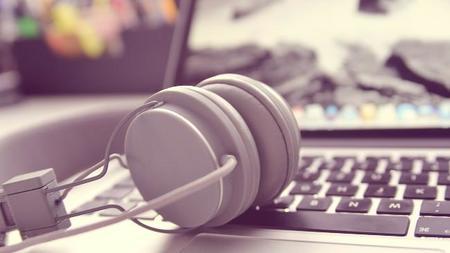 Música en el trabajo si, pero no con tu ordenador
