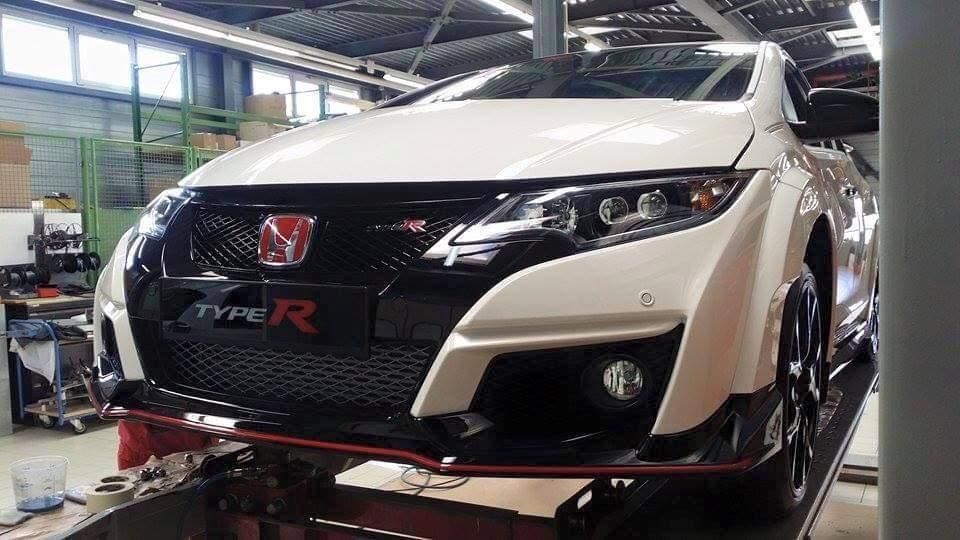 Foto de Honda Civic Type R 2015 cazado (1/4)