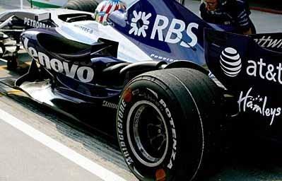 Bridgestone prueba nuevas soluciones en Sepang