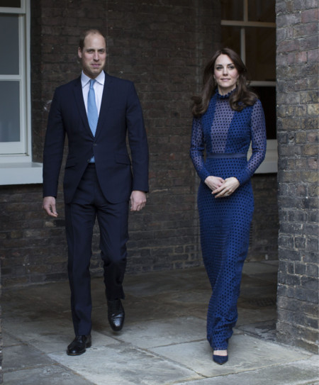 Kate Middleton Saloni Look 2