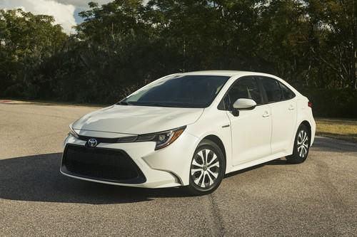 El Toyota Corolla Hybrid es el lado B del Prius, sin rosto extravagante