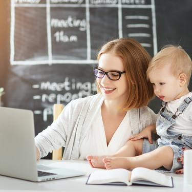 El formulario para la devolución del IRPF por maternidad está casi listo, aunque solo afectará al 17% de las madres