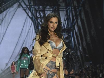 Irina Shayk comparte una imagen en bikini y dudamos de si es reciente o del verano pasado