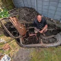 Tesoros de cuarentena: Encuentra un auto clásico enterrado en su jardín