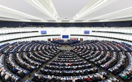 El Parlamento Europeo rechaza la propuesta de directiva europea de copyright: de momento, el internet de la UE se ha salvado