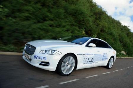 El Jaguar XJ_e alcanza un consumo de 1,2 l/100 km de gasolina