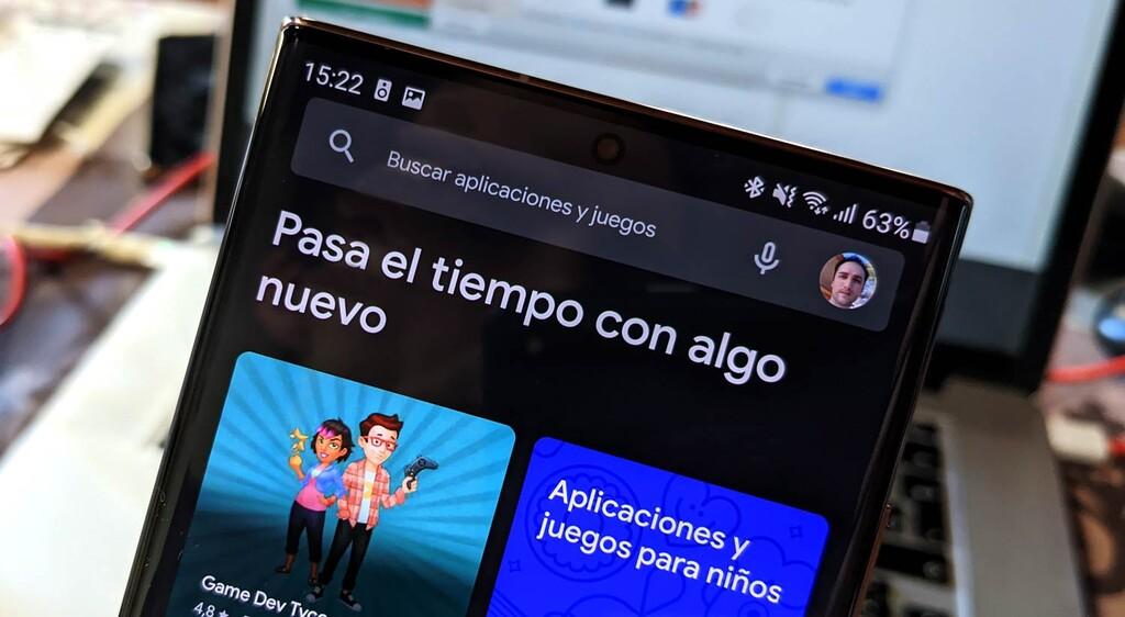 El nuevo diseño de Google Play Store comienza a estar disponible: adiós al menú lateral