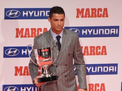 Cristiano Ronaldo y Sergio Ramos con chaqueta cruzada ¿quién la lleva mejor?