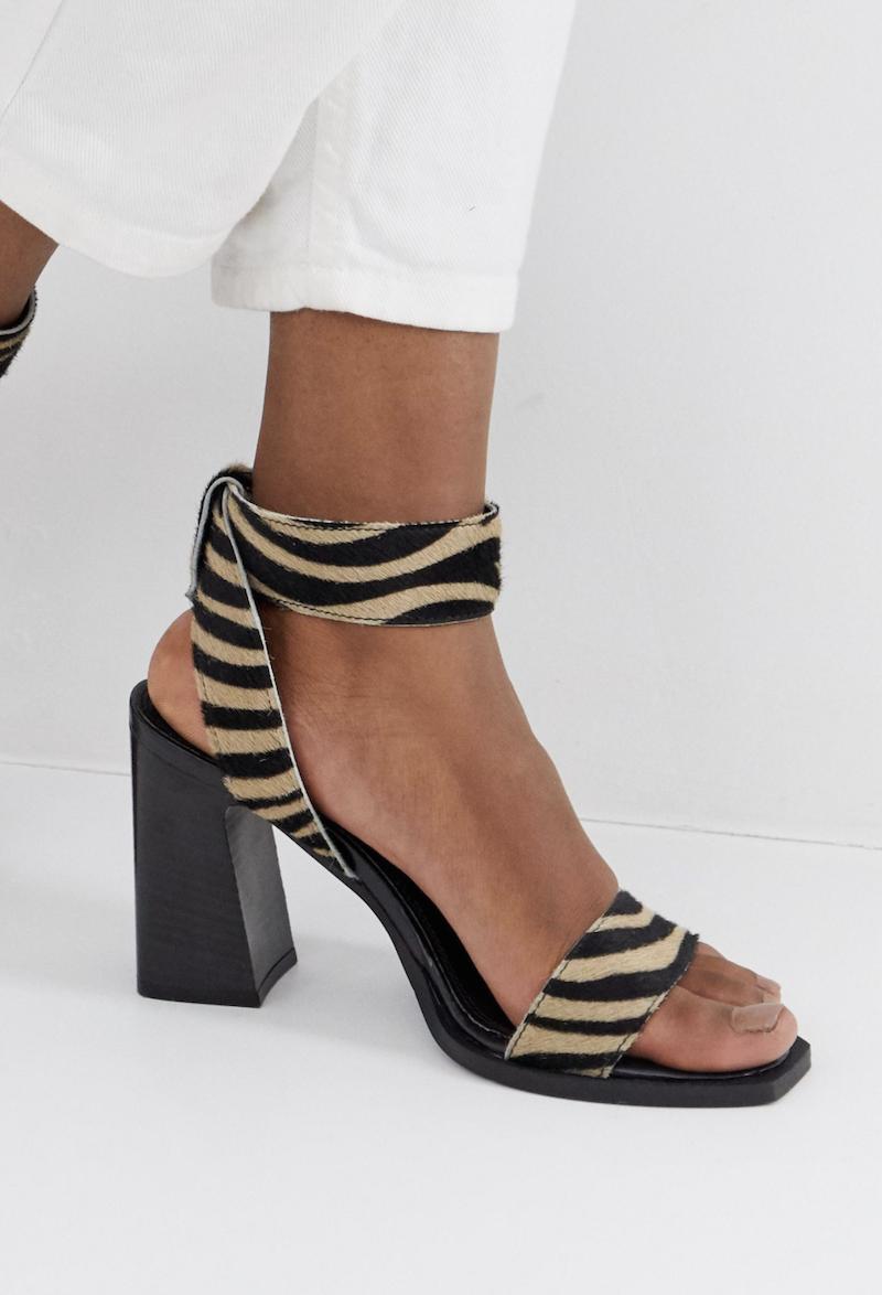 Sandalias de cuero de tacón cuadrado con estampado de tigre Herbert de ASOS DESIGN