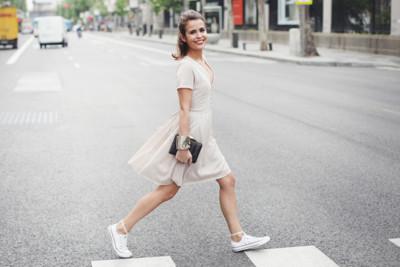 Luce los vestidos románticos de la manera mas cómoda posible