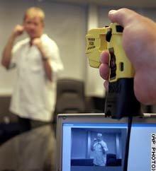 Taser Cam grabará como hacemos servir el arma