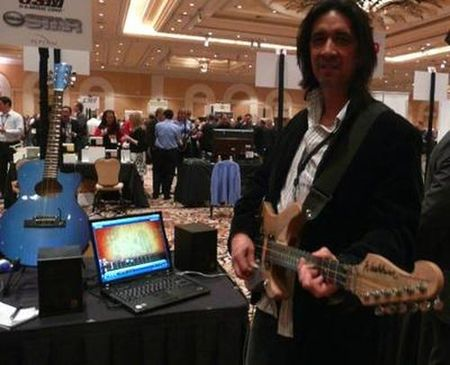 'Disney Star Guitarist', otro 'Guitar Hero' de verdad