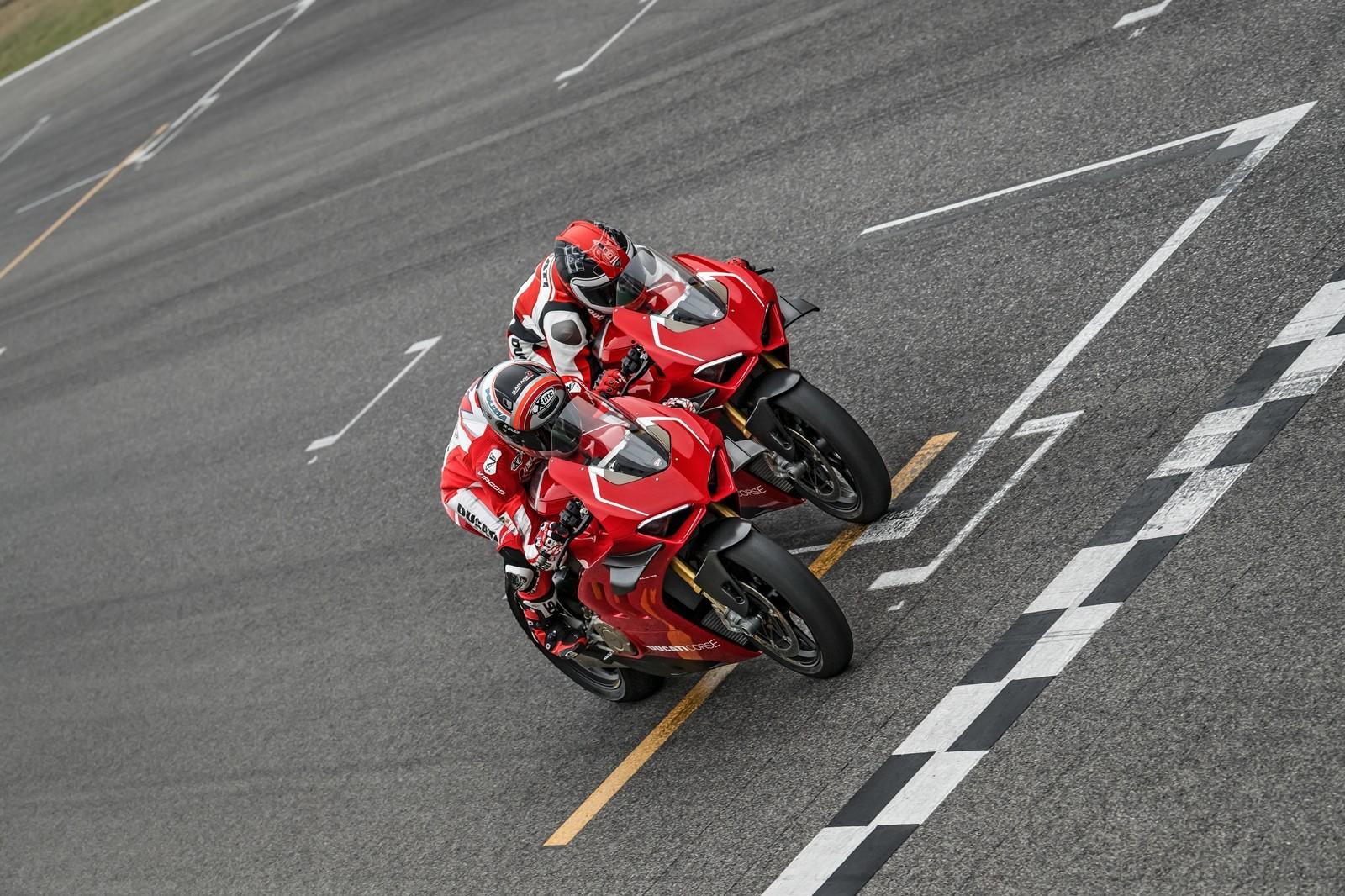 Foto de Ducati Panigale V4 R 2019 (6/87)