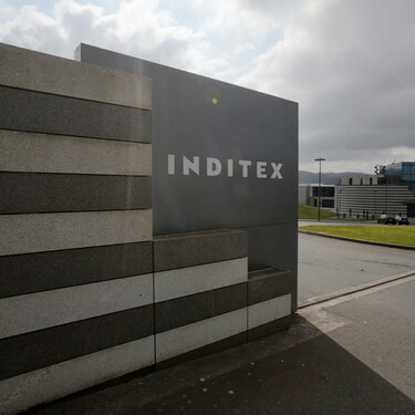 El último gesto solidario de Inditex: dona cuatro máquinas para fabricar mascarillas para personas con discapacidad en Galicia