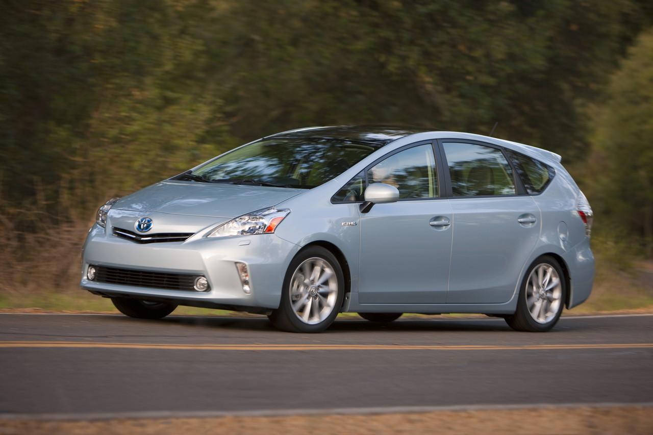 Foto de 2011 Toyota Prius v (25/77)