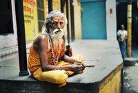 El sagrado Kashi Vishwanath o templo dorado de Benarés