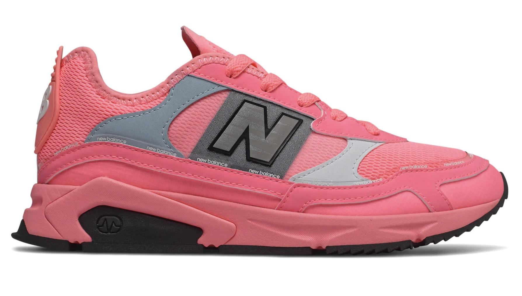El segundo modelo de zapatillas de la serie X después de las X-90, las X-Racer para mujer, se inspiran en modelos menos conocidos de los años 90 para crear una silueta híbrida, moderna y elegante.