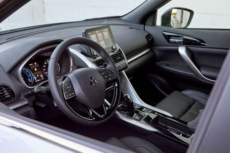 Mitsubishi Eclipse Cross Phev Interior 02