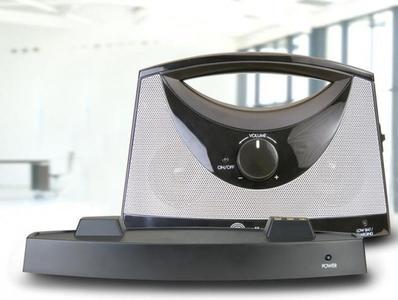 Amplicomms TV SoundBox, un altavoz inalámbrico para personas con deficiencias auditivas