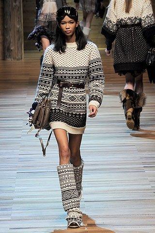 Encuentra tu vestido de punto al estilo D&G en Zara