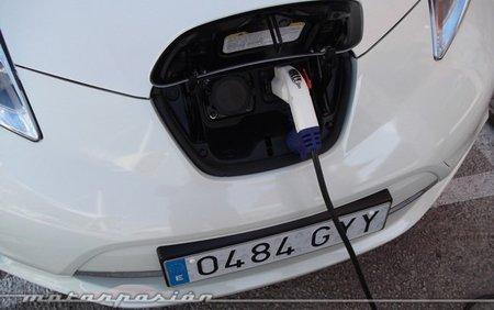 El 37 % de los españoles pagaría las infraestructuras del coche eléctrico con impuestos