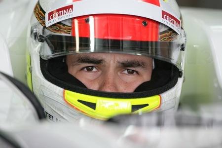 Sergio Pérez firma una actuación espectacular en Australia