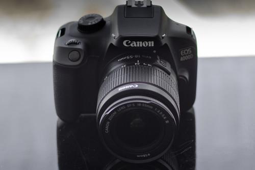 Canon EOS 4000D, Sony A6300, Panasonic Lumix FZ300 y más cámaras, objetivos y accesorios en oferta: Llega Cazando Gangas